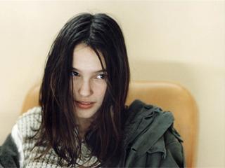 Virginie Ledoyen in L´EAU FROIDE, R.: Olivier Assayas. Filmstill, © IMA Productions.
