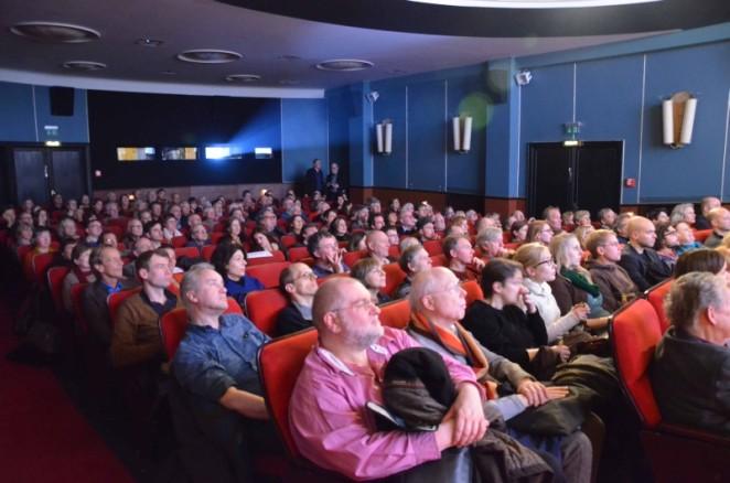 Die Zuschauer während des parallel laufenden Cinefest im Kino Metropolis. Foto: Swenja Schiemann. Mit freundlicher Genehmigung von CineGraph