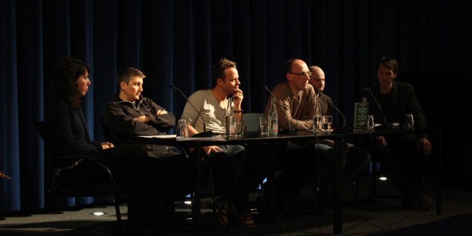 Diskussionsrunde mit Manuela Kay, Oli Wood, Sven Lewandowski, Jan Soldat, Lisa Andergassen und Till Claassen