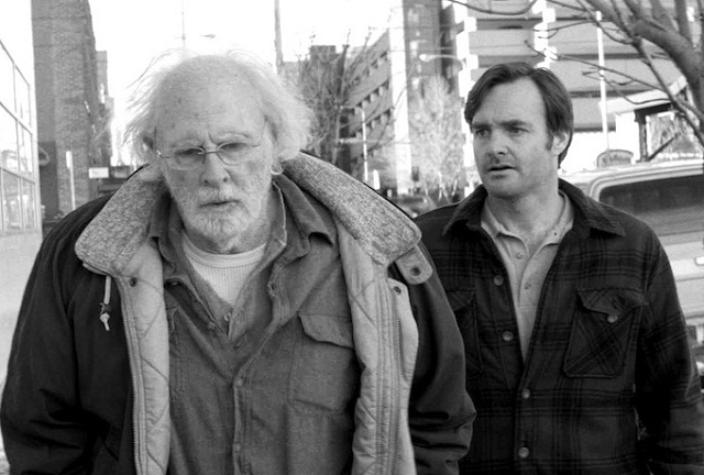 """Bruce Dern als Woody Grant und Bill Forte als dessen Sohn David, """"Nebraska"""" Foto: Merie W. Wallace/Paramount Pictures. (Quelle: dpa)"""
