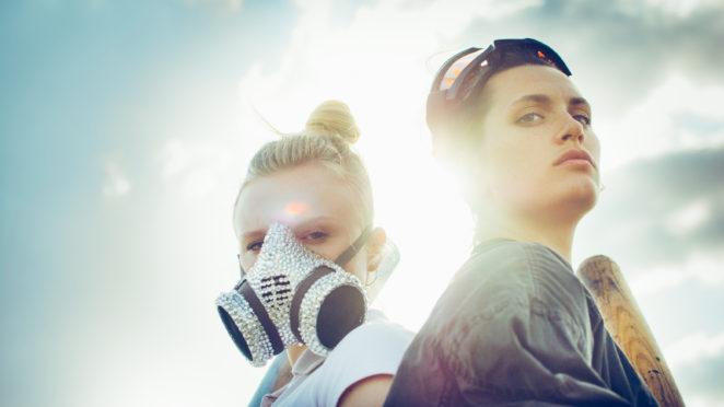 """Maria Dragus und Ella Rumpf in """"Tiger Girl"""" von Jakob Lass © 2017 Constantin Film Verleih GmbH / Fogma"""
